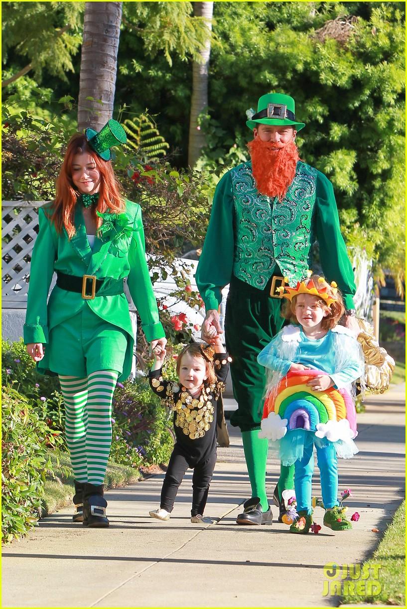 alyson hannigan & family: leprechaun hallowen costume 2013!: photo