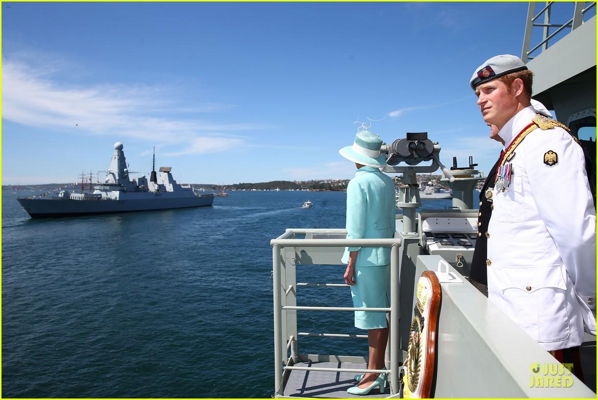 prince harry international fleet review in sydney 122966398
