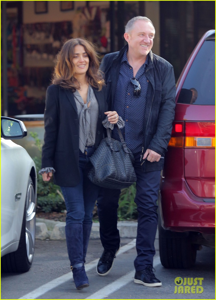 salma hayek fun filled weekend with the family 052981602