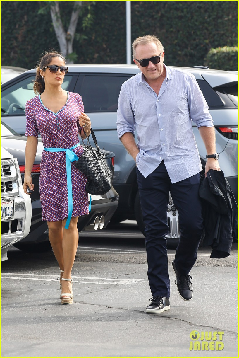 salma hayek fun filled weekend with the family 112981608