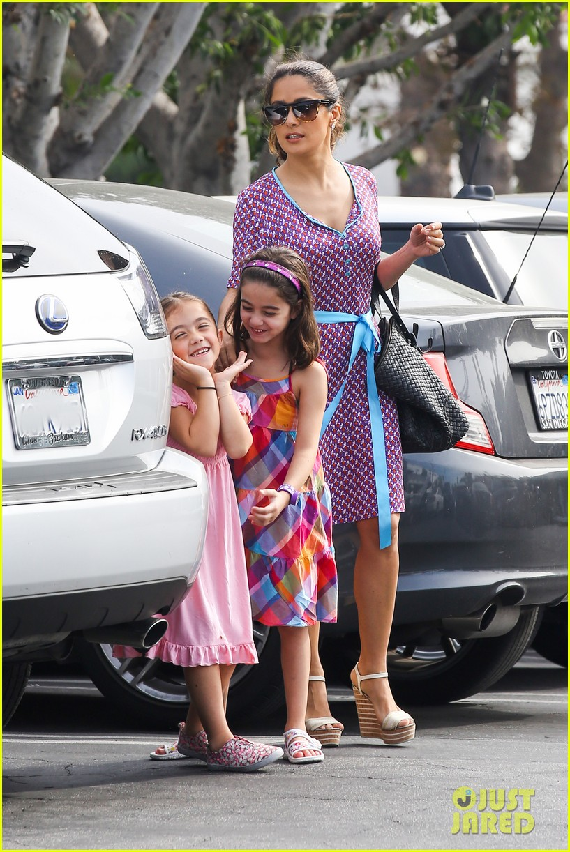 salma hayek fun filled weekend with the family 132981610