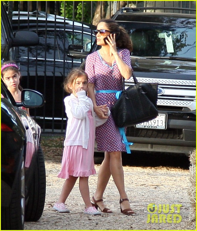 salma hayek fun filled weekend with the family 252981622