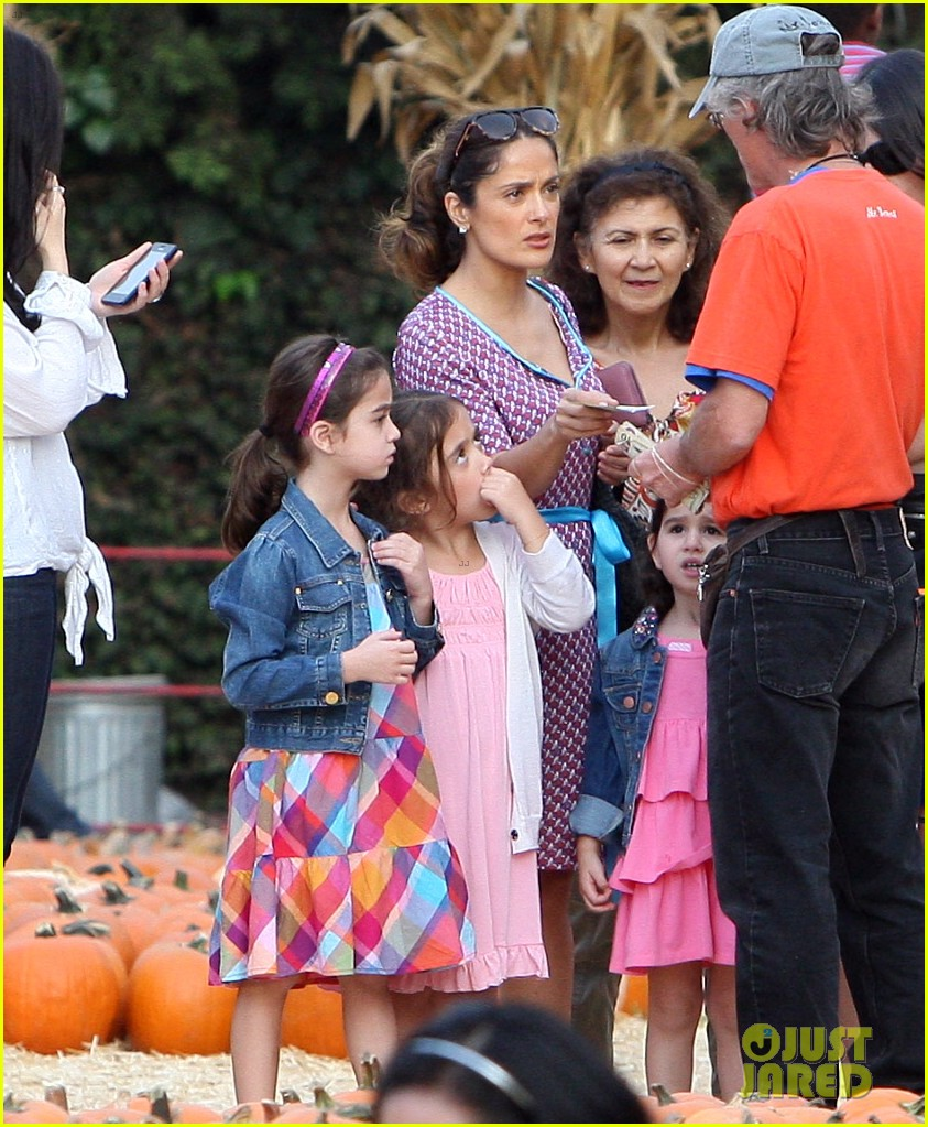 salma hayek fun filled weekend with the family 272981624