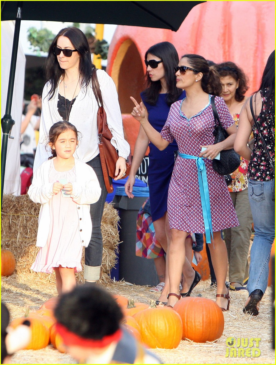 salma hayek fun filled weekend with the family 312981628