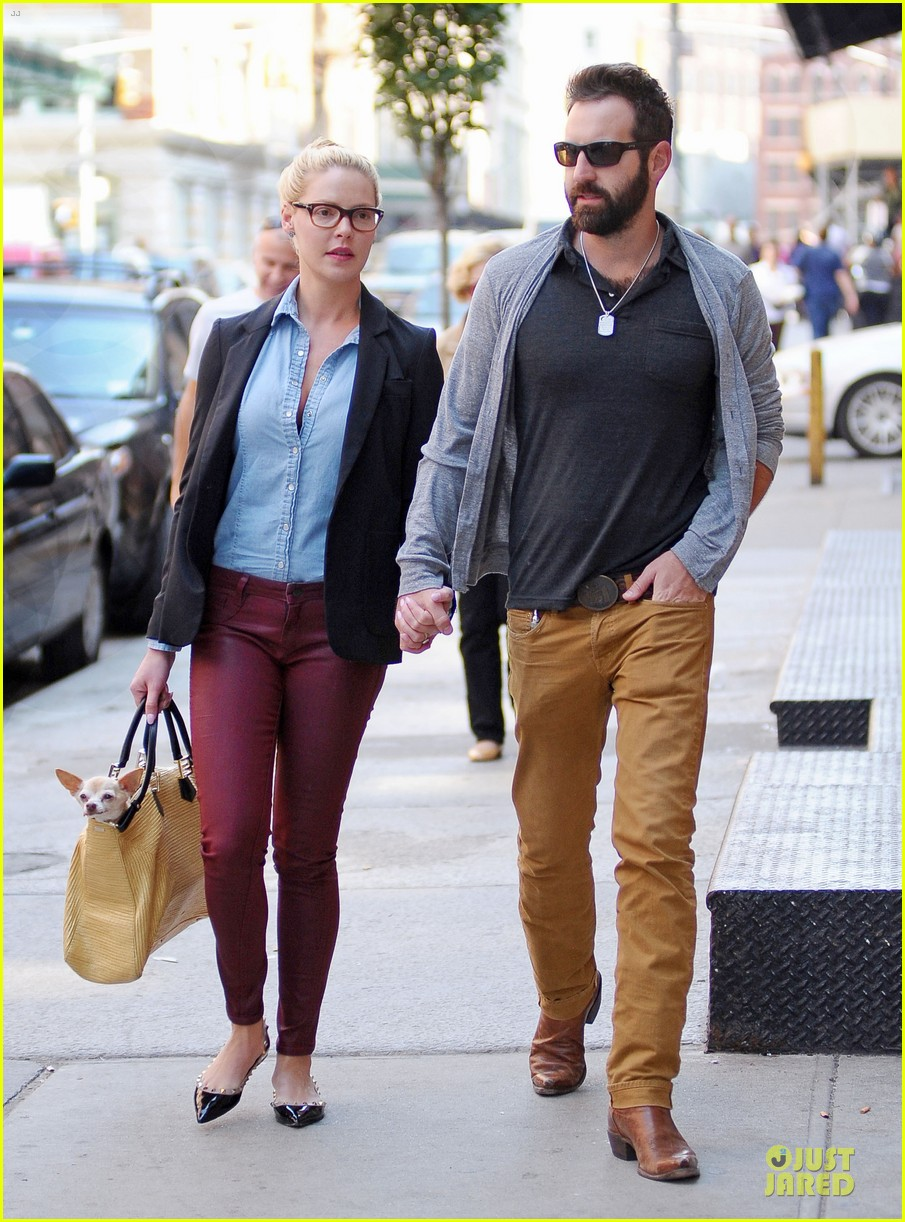 katherine heigl josh kelley hold hands after lunch 122966319