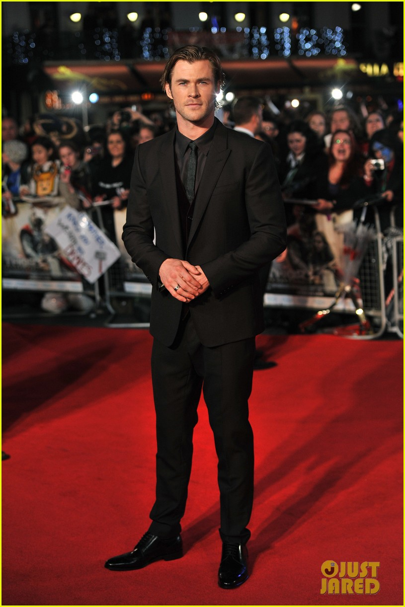 chris hemsworth tom hiddleston thor the dark world premiere 032977032