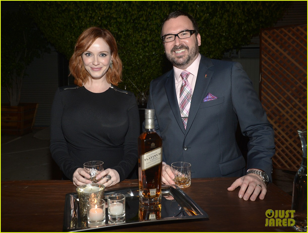 christina hendricks toasts johnny walker platinum 022977615