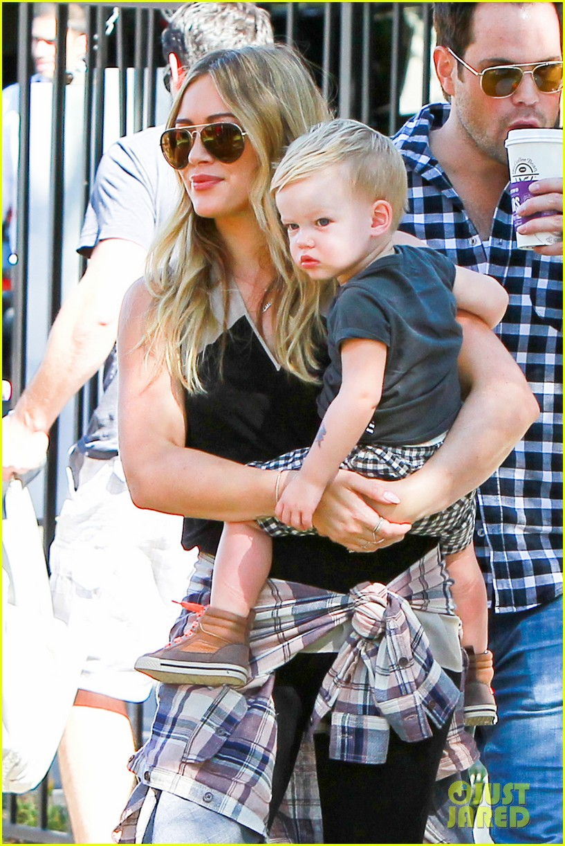 hilary duff mike comrie halloween party with luca 022976046