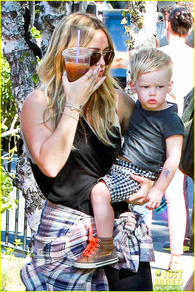 hilary duff mike comrie halloween party with luca 092976053