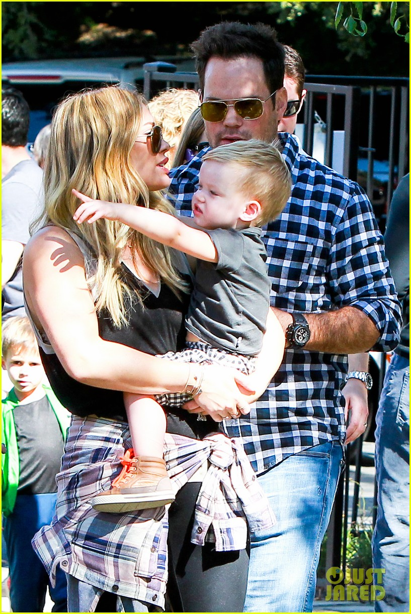 hilary duff mike comrie halloween party with luca 122976056
