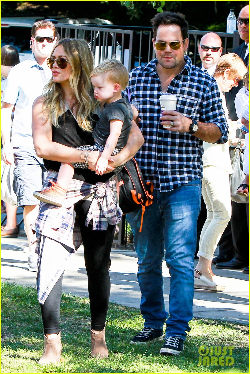 hilary duff mike comrie halloween party with luca 132976057