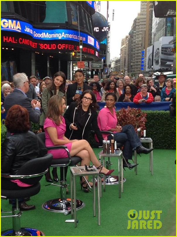 katie holmes bobbi brown give makeovers on gma 032969003