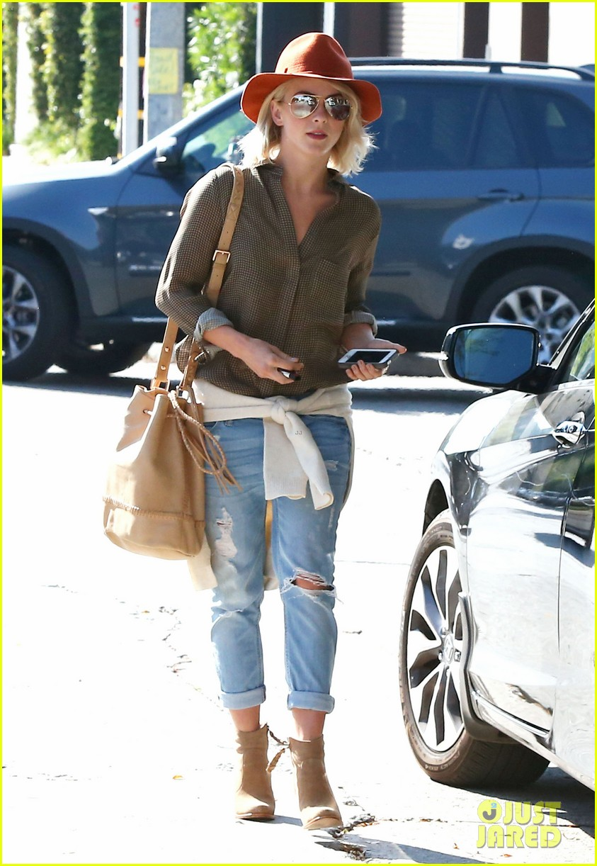 julianne hough dancing with the stars judge next week 152966365
