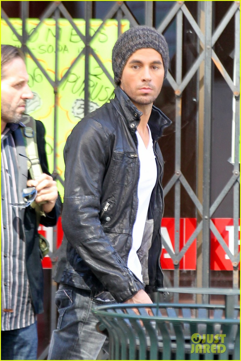 enrique iglesias films heart attack music video 022967603