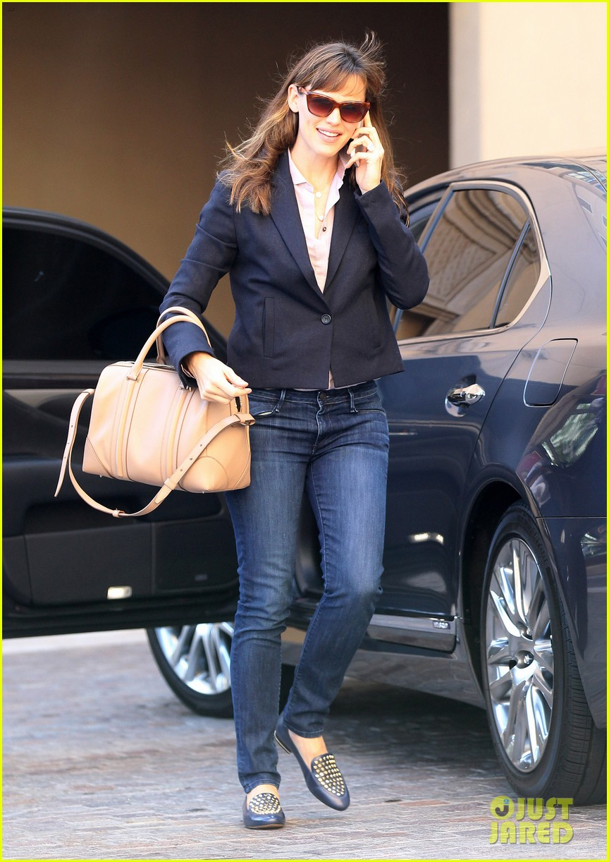 jennifer garner beverly hills business meeting 05