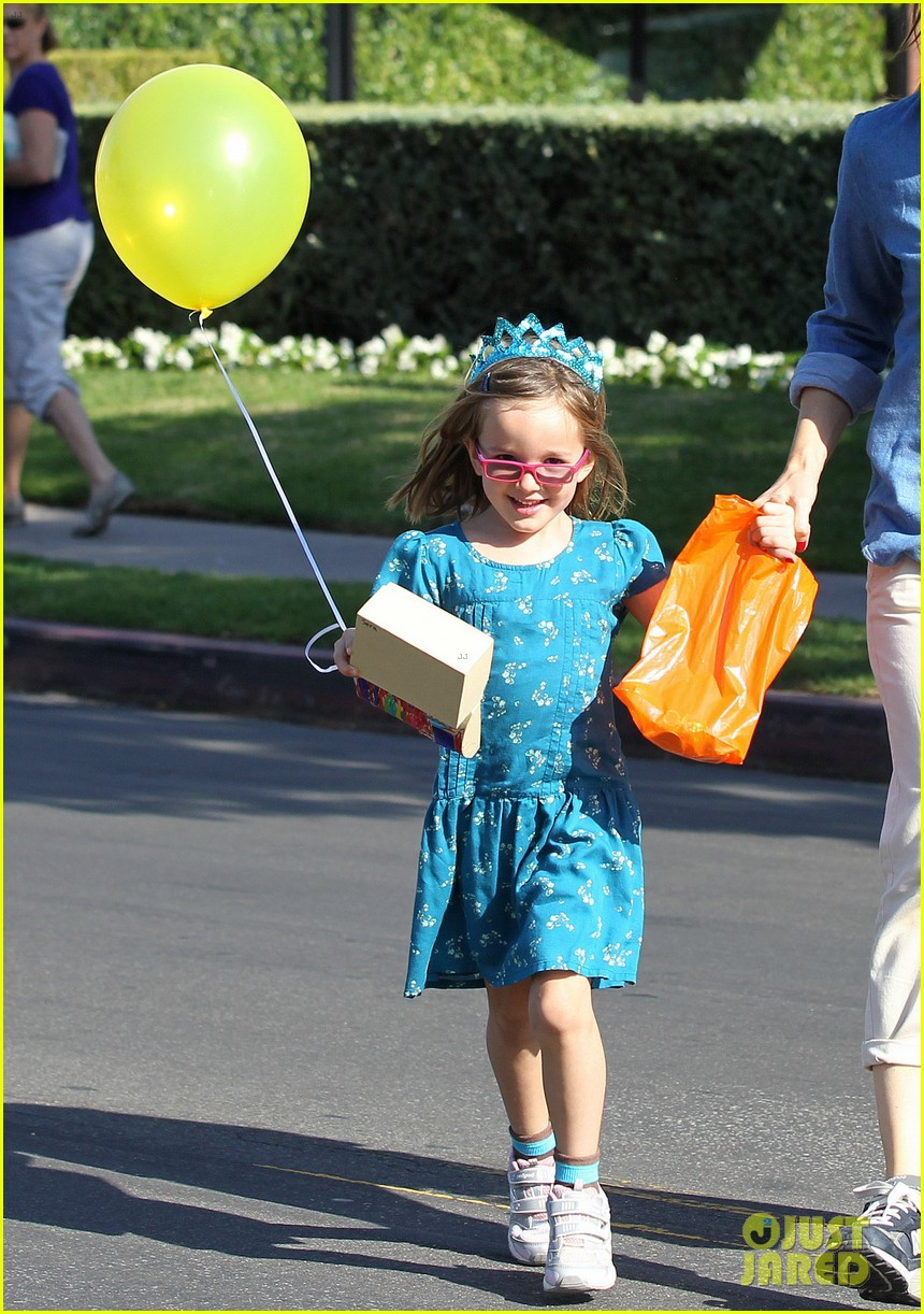 jennifer garner brentwood birthday party with seraphina 202975832