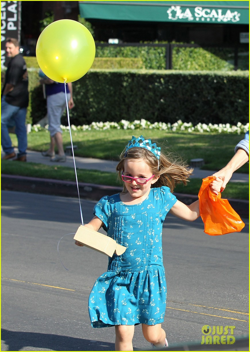 jennifer garner brentwood birthday party with seraphina 212975833