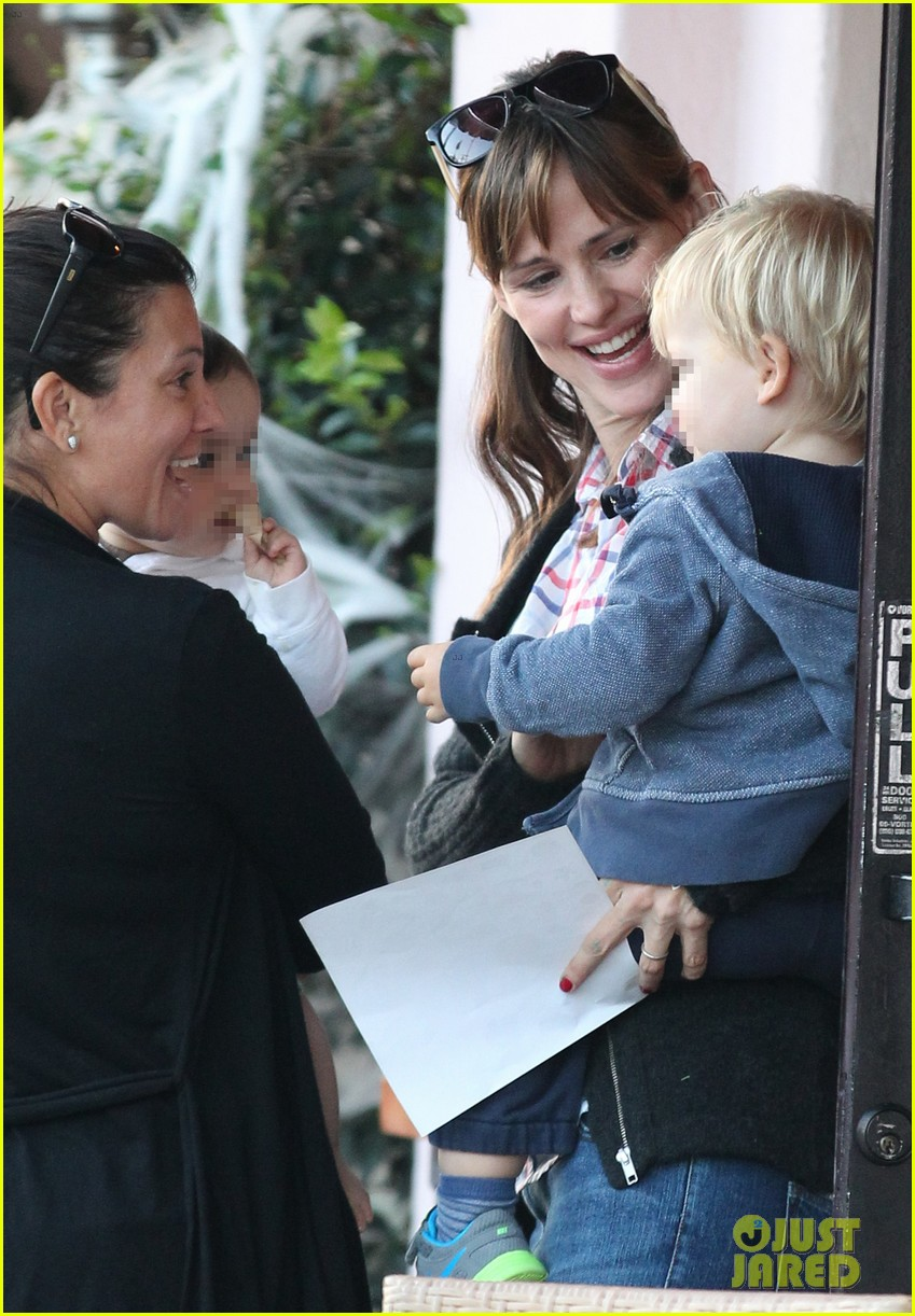 jennifer garner brentwood birthday party with seraphina 302975842