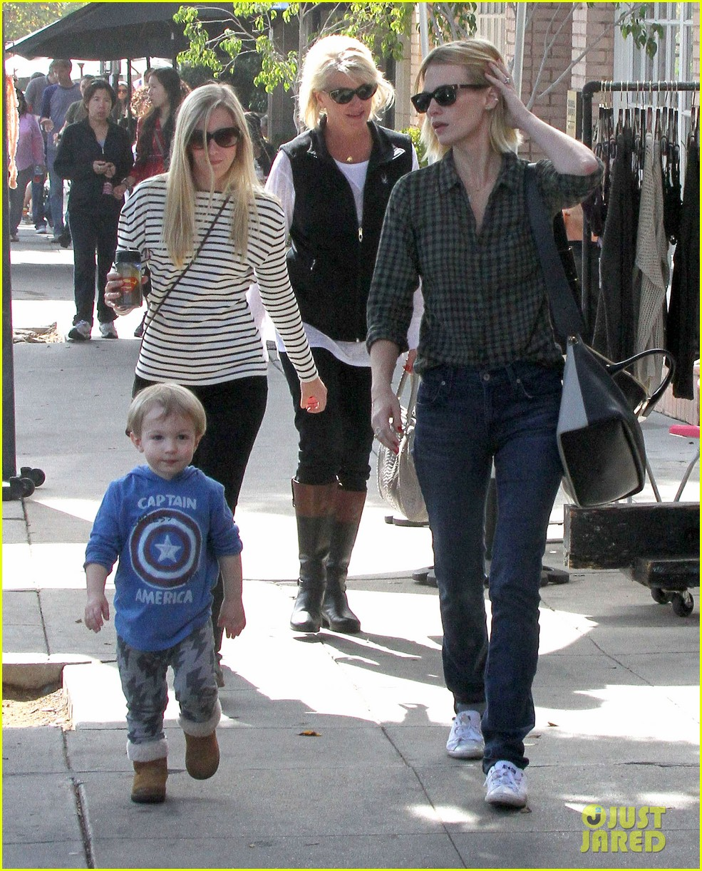 january jones baby boy xander to lunch with friends 162981564