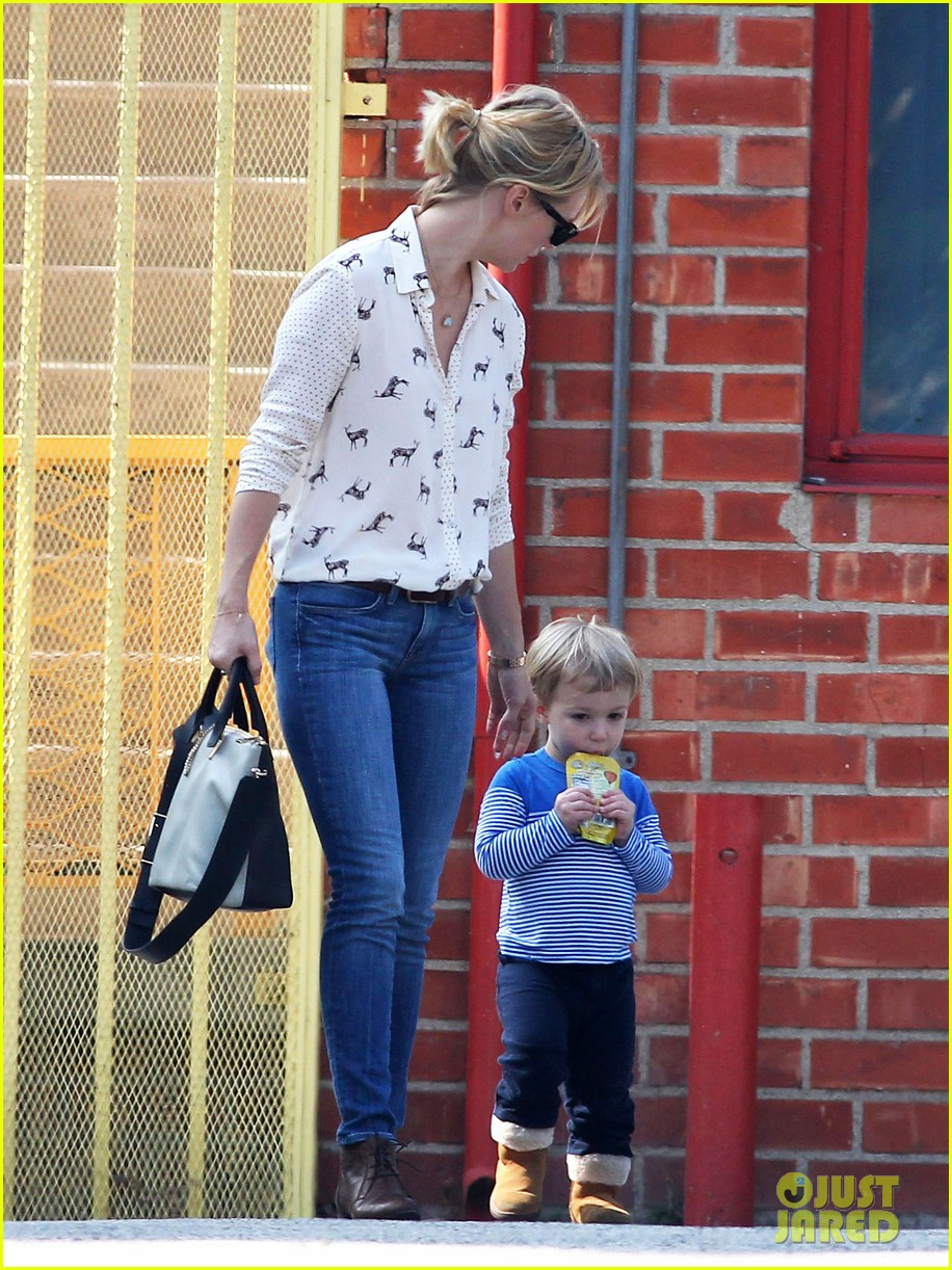 january jones gets in quality time with her son xander 062977675