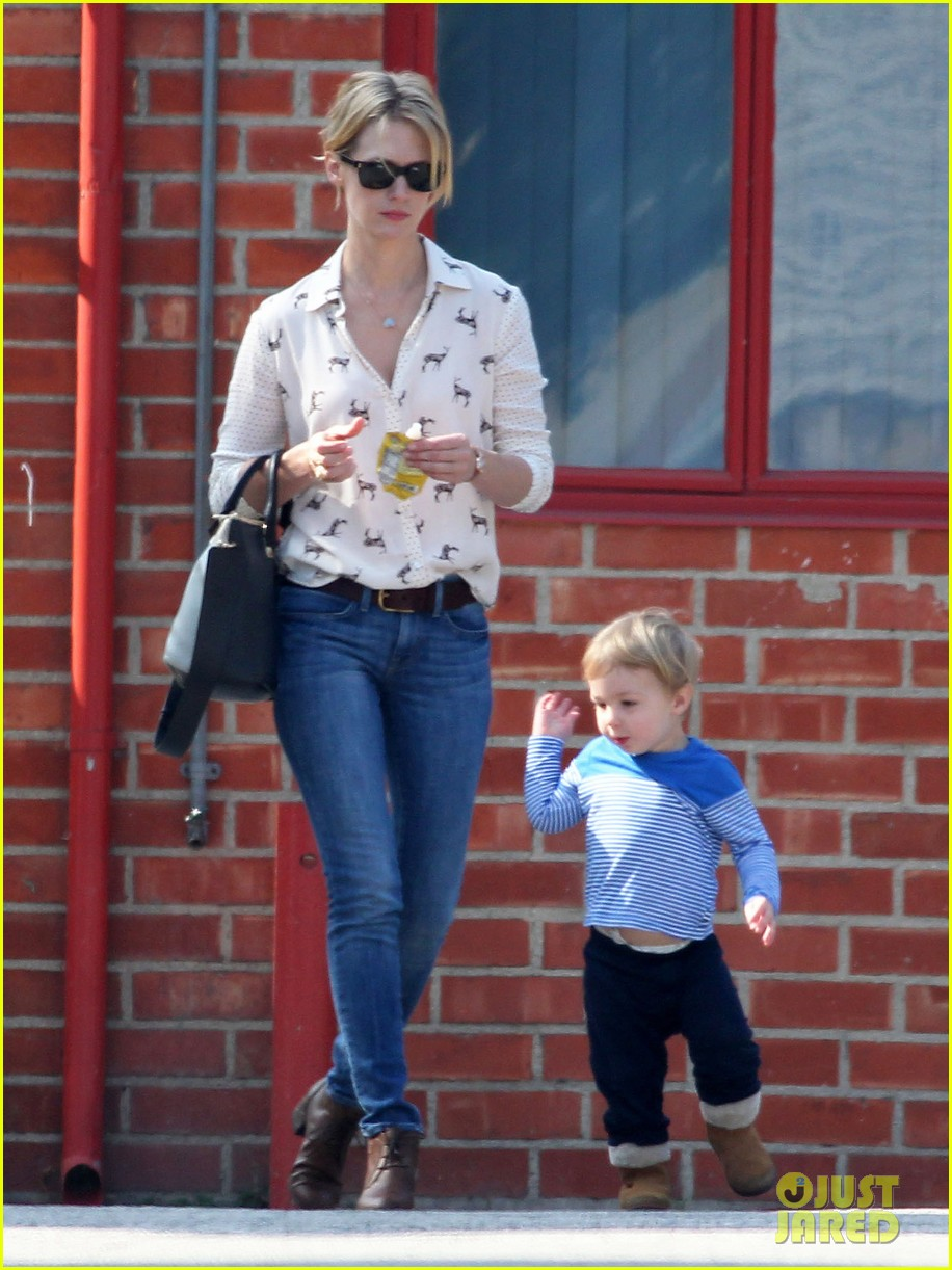 january jones gets in quality time with her son xander 072977676