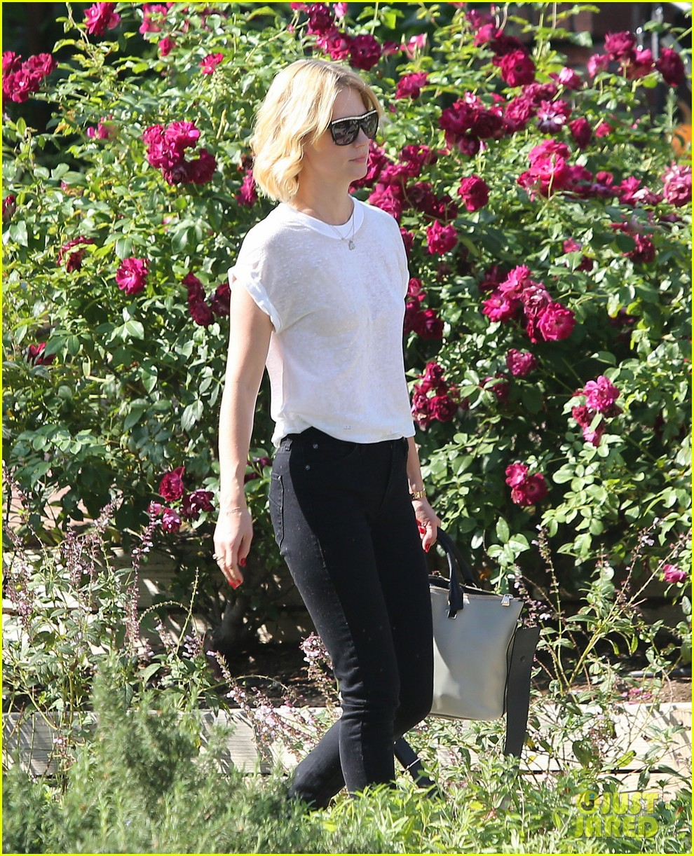 january jones gets in quality time with her son xander 092977678