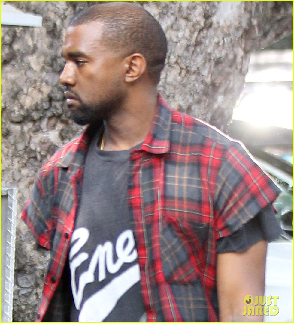 kanye west steps out after kim kardashian engagement 062978554