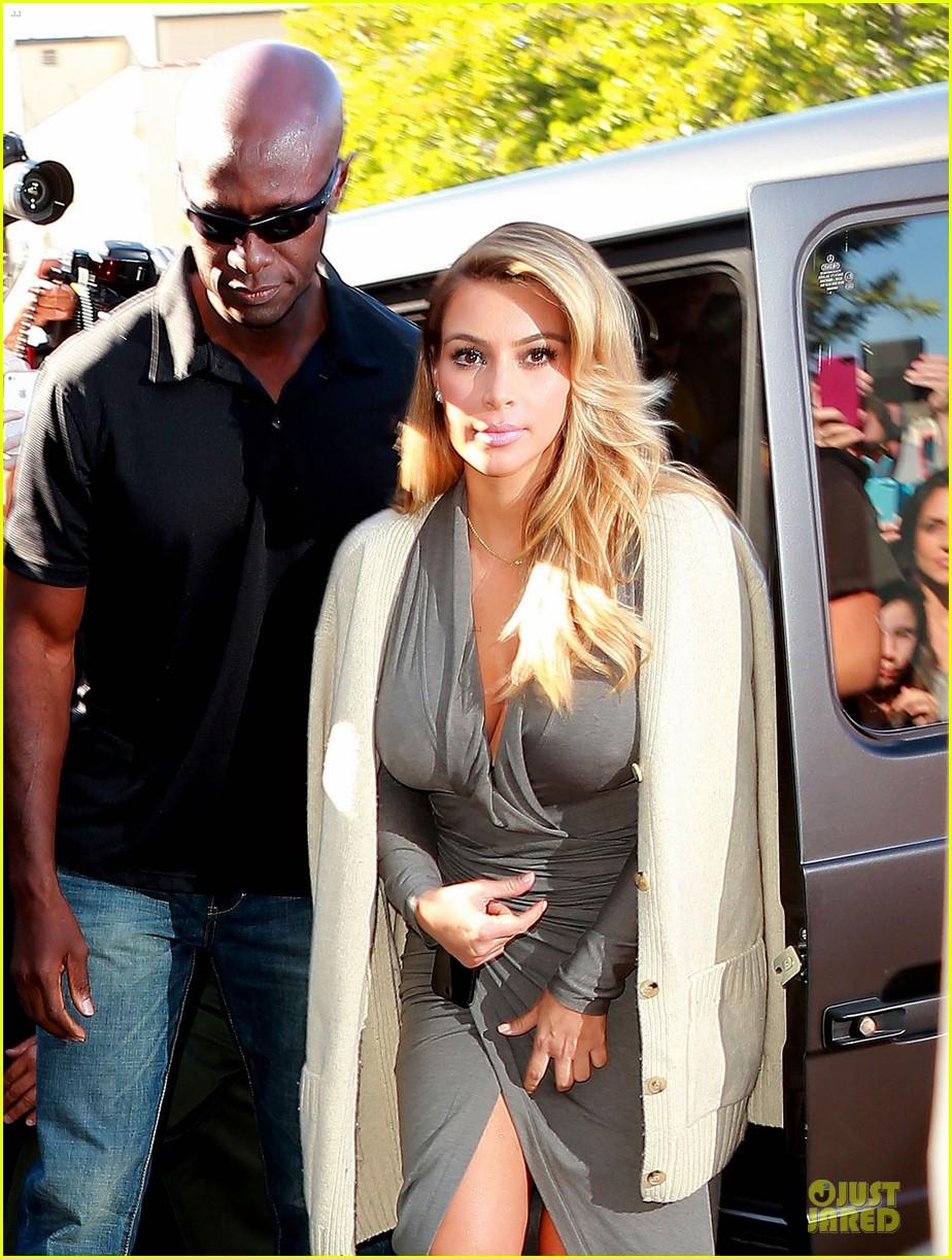 kim kardashian kylie jenner dash store visit 02