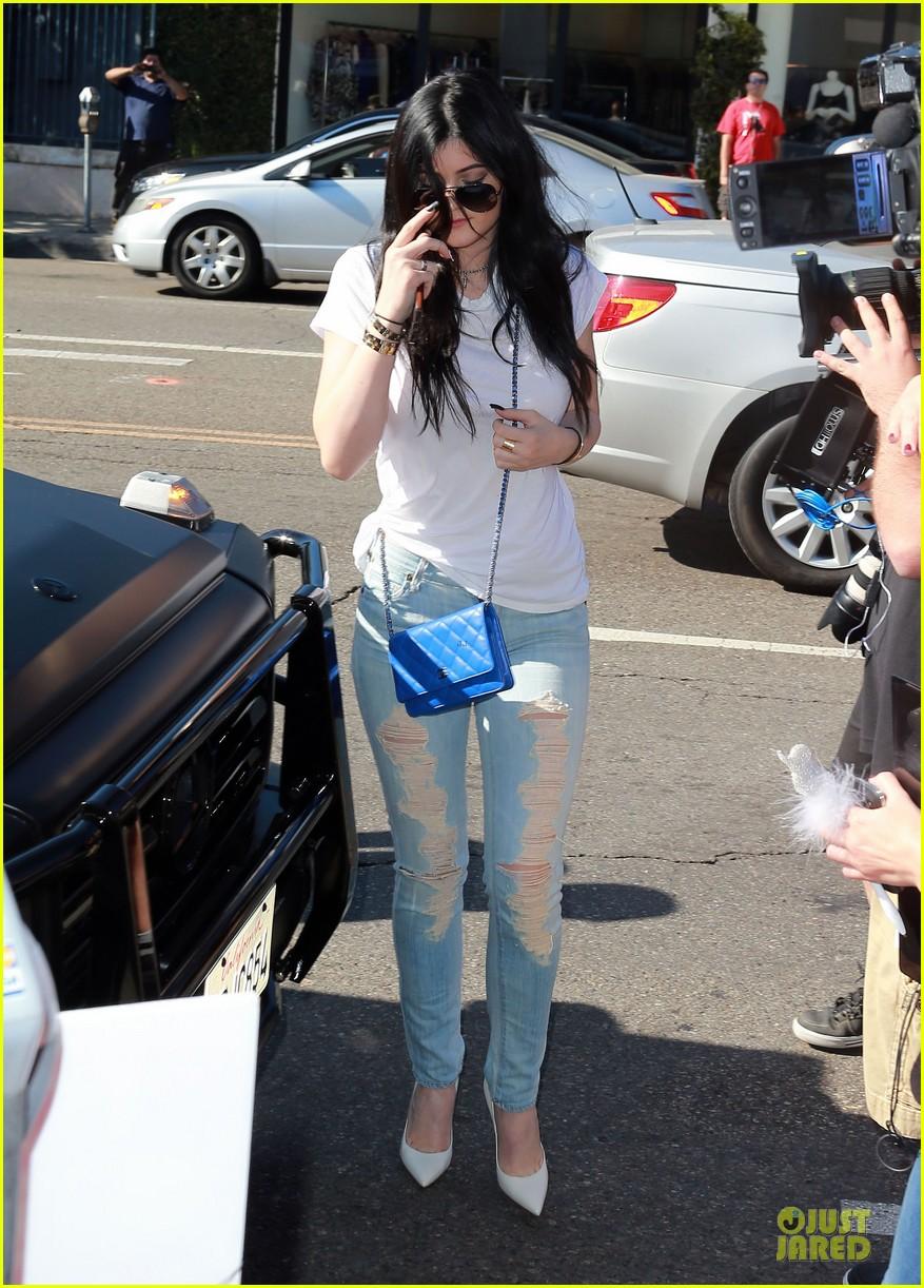 kim kardashian kylie jenner dash store visit 05