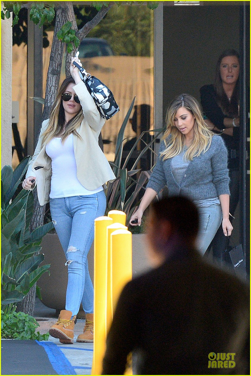 kim kardashian happy meeting with kourtney khloe 302968572