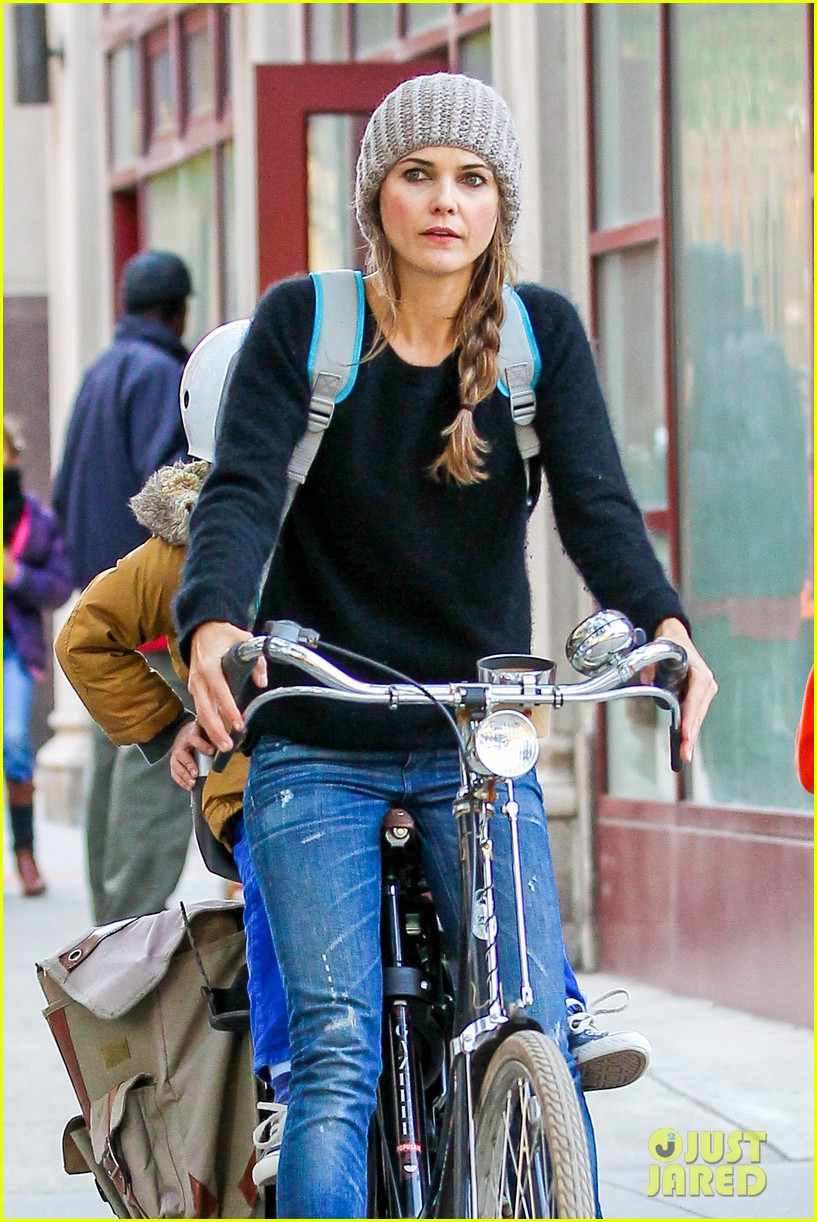keri russel laughs with river after bike ride 042982383