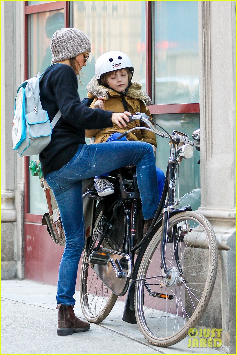 keri russel laughs with river after bike ride 052982384
