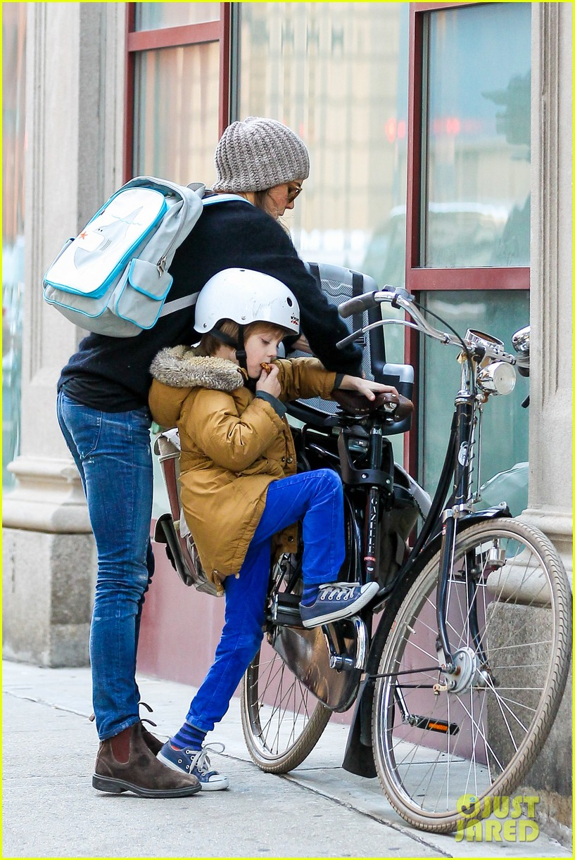 keri russel laughs with river after bike ride 062982385