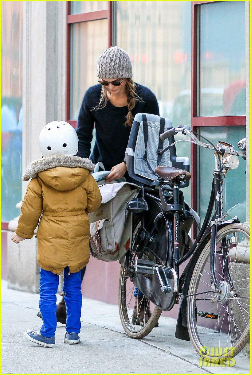 keri russel laughs with river after bike ride 122982391