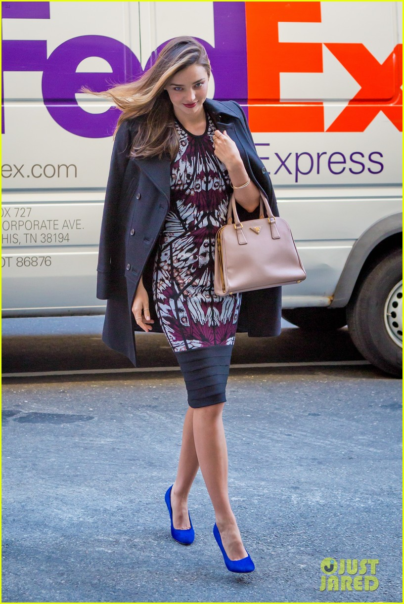 miranda kerr spends the weekend at the beach with flynn 052972621