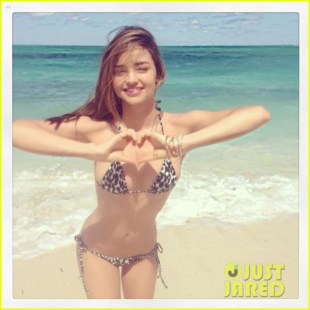 miranda kerr shares new bikini beach vacation pics 032976494
