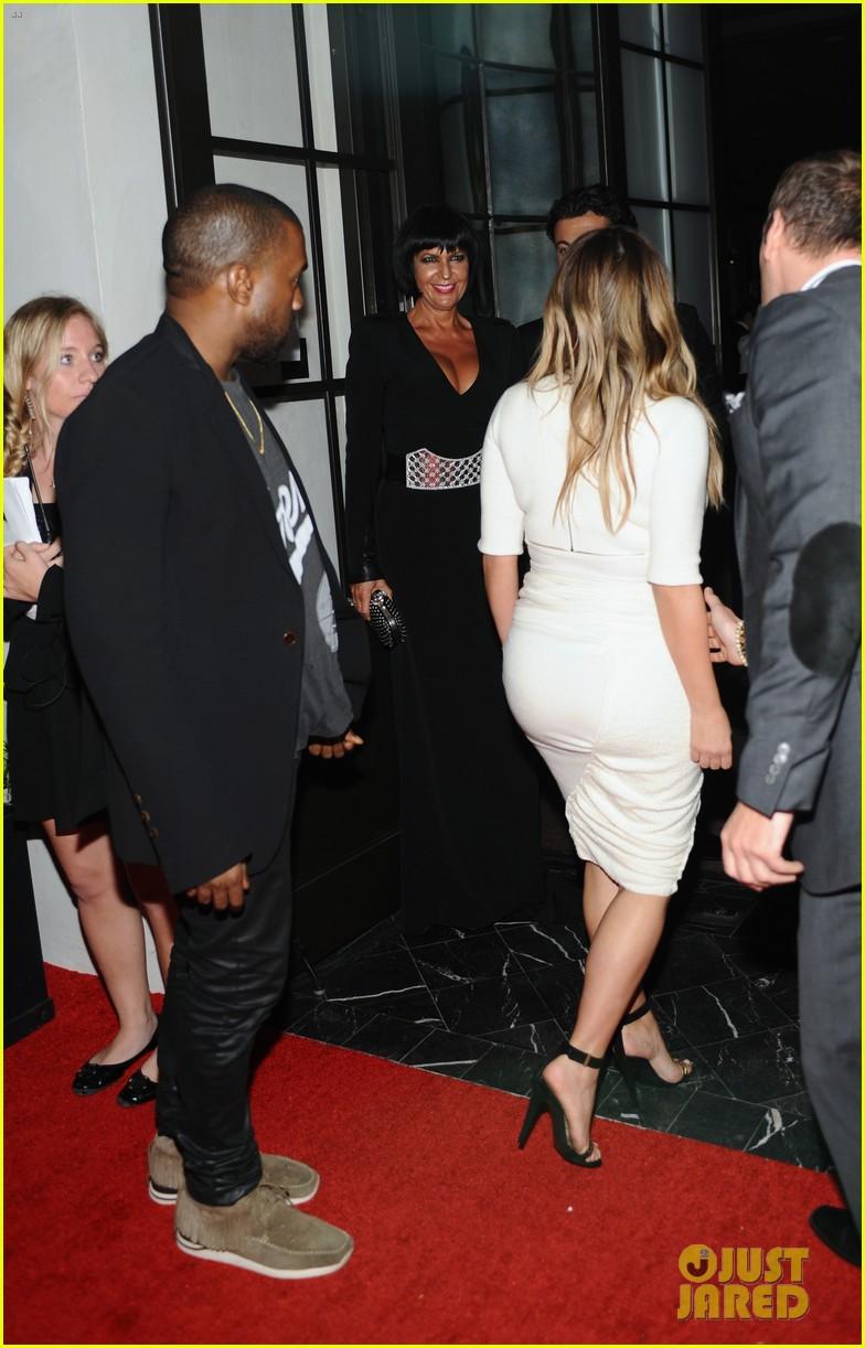 kim kardashian kanye west dream for future africa gala 05