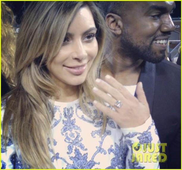 kim kardashians engagement ring see the huge rock 022976995