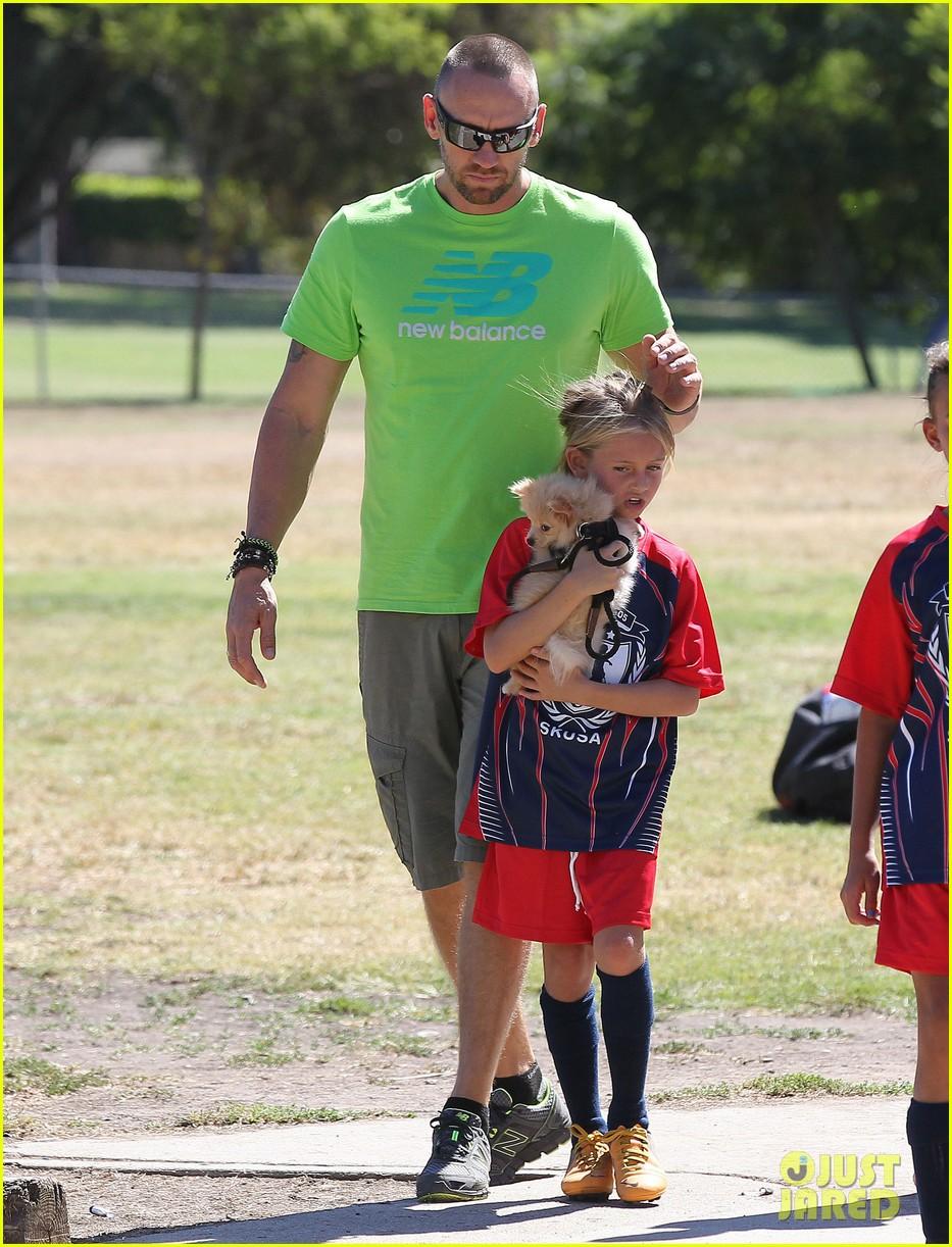 heidi klum martin kirsten kids soccer game duo before lax 122967661