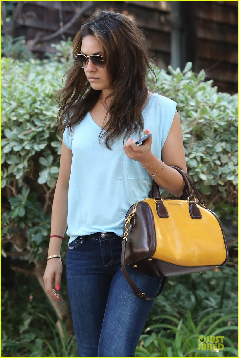 mila kunis i would move to chicago if you take away winter 042970001