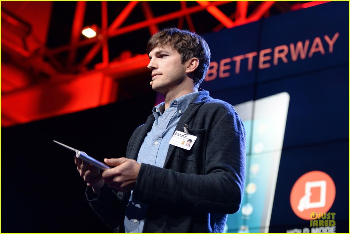 ashton kutcher lenovo product engineer at yoga tablet launch 152982721