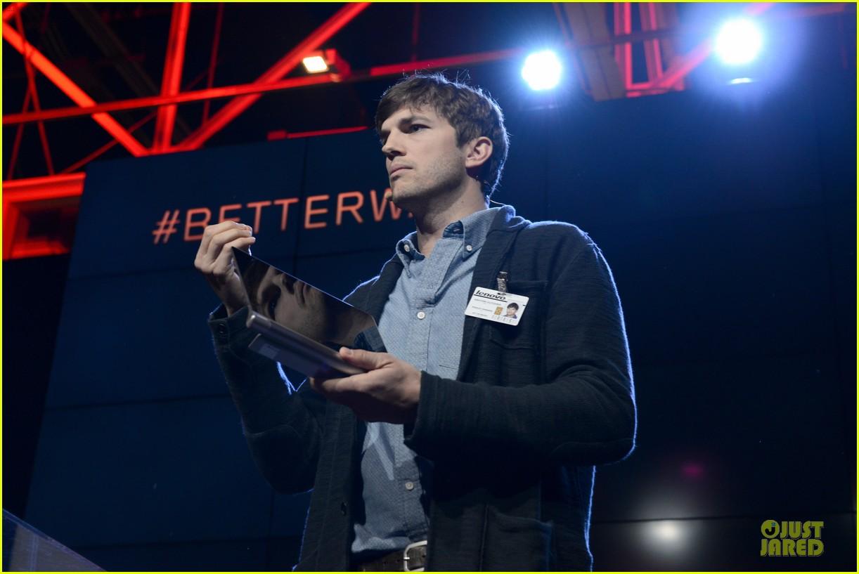 ashton kutcher lenovo product engineer at yoga tablet launch 162982722