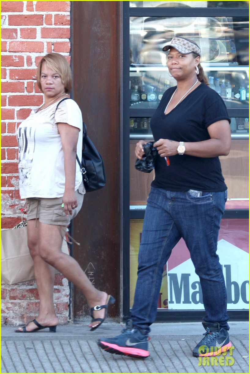 queen latifah recuts rihanna stay video to include herself 082963337