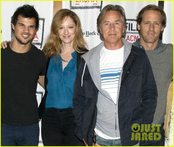 taylor lautner boogie nights live read with mae whitman 042970179