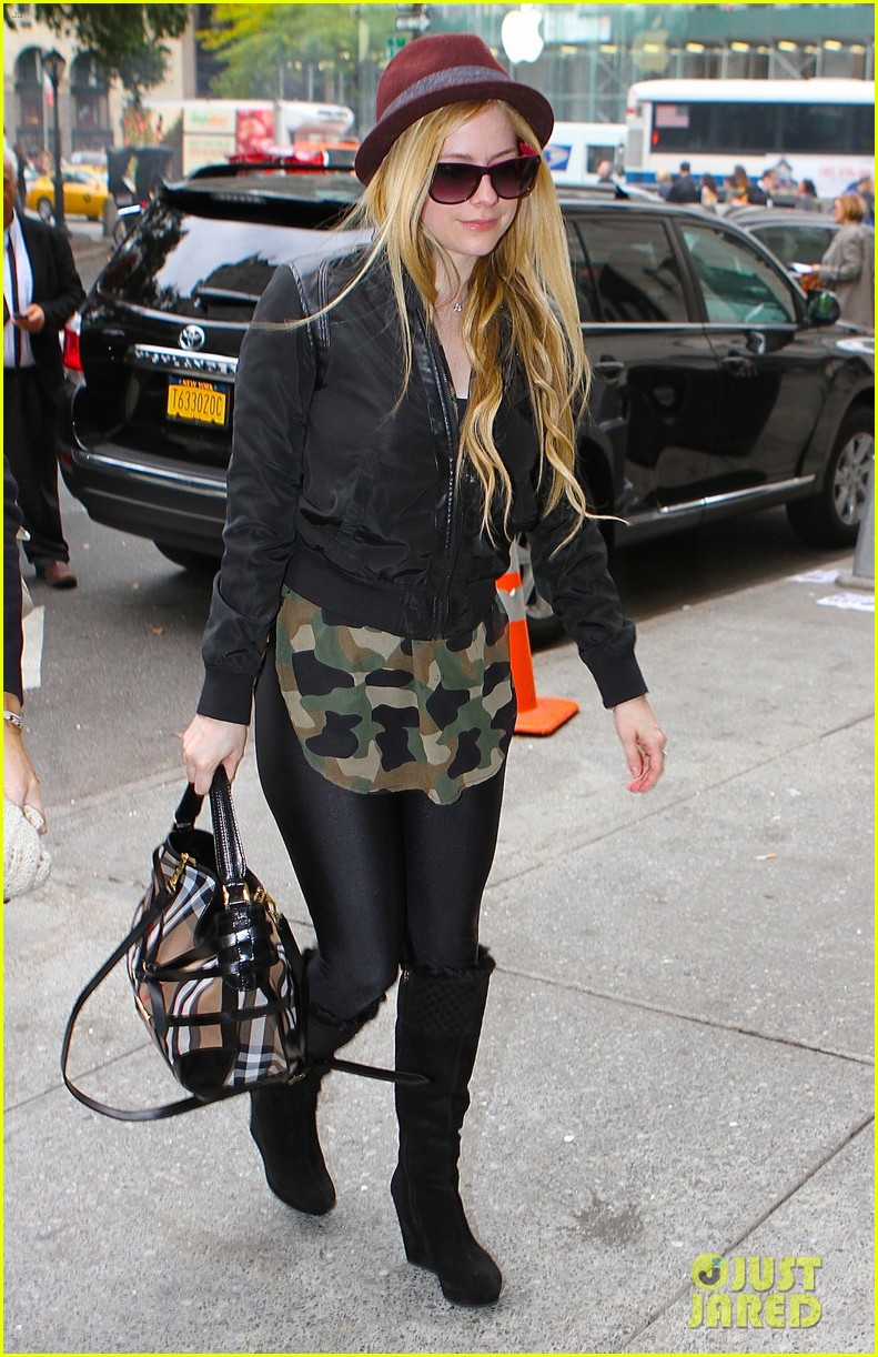 avril lavigne full itunes self titled album stream listen now 012983400