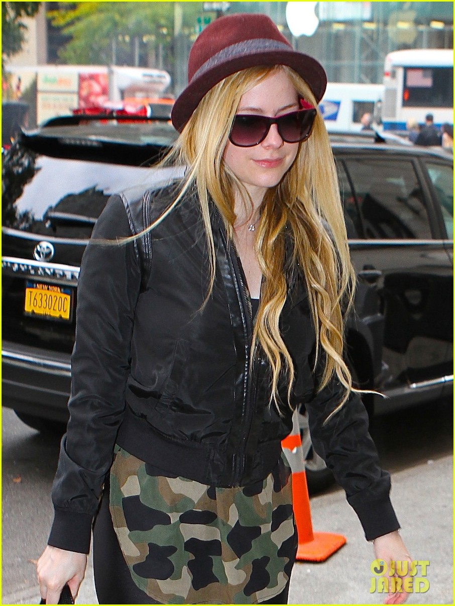avril lavigne full itunes self titled album stream listen now 032983402