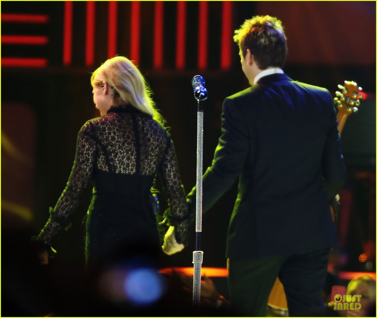 avril lavigne chad kroeger we day couple in vancouver 252974752