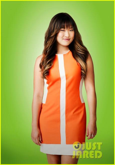 lea michele glee season five cast portraits 052974351