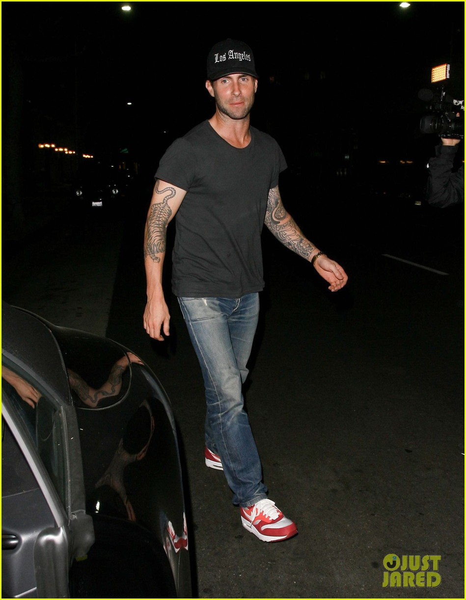 adam levine behati prinsloo mr chows date night 022963743
