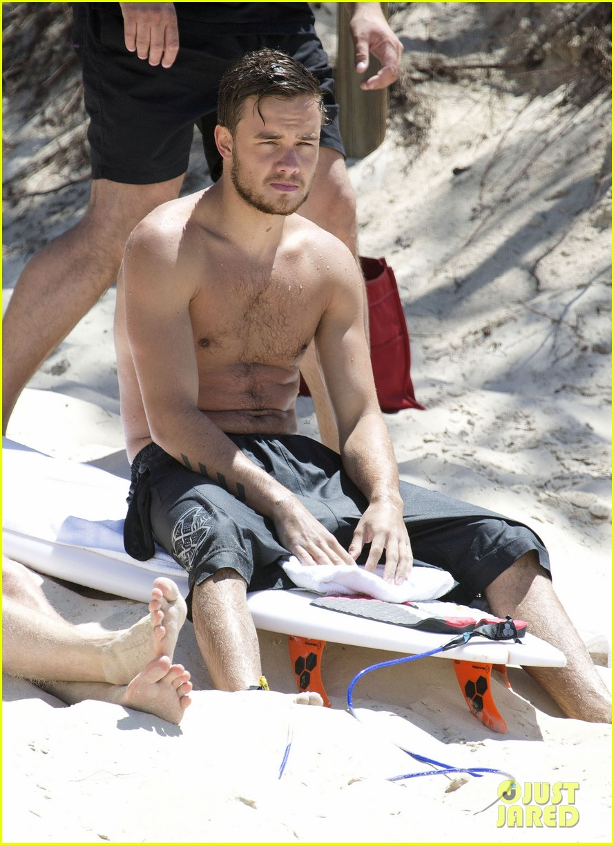 one direction liam payne shirtless surf session 05